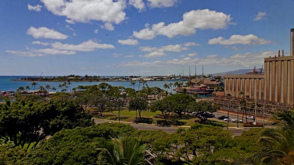 View of Honolulu Harbor